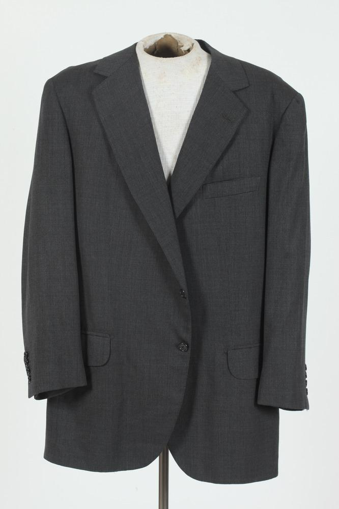 MEN'S GREY WOOL JACKET. size 42.