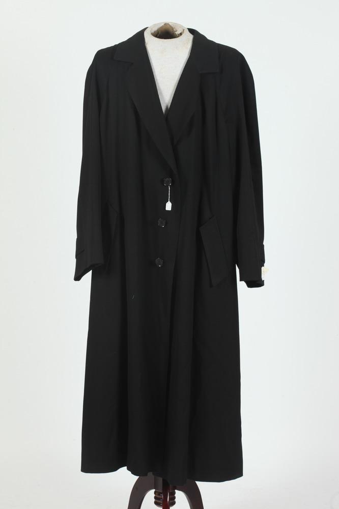 MEN'S BLACK TRENCH COAT, size large.