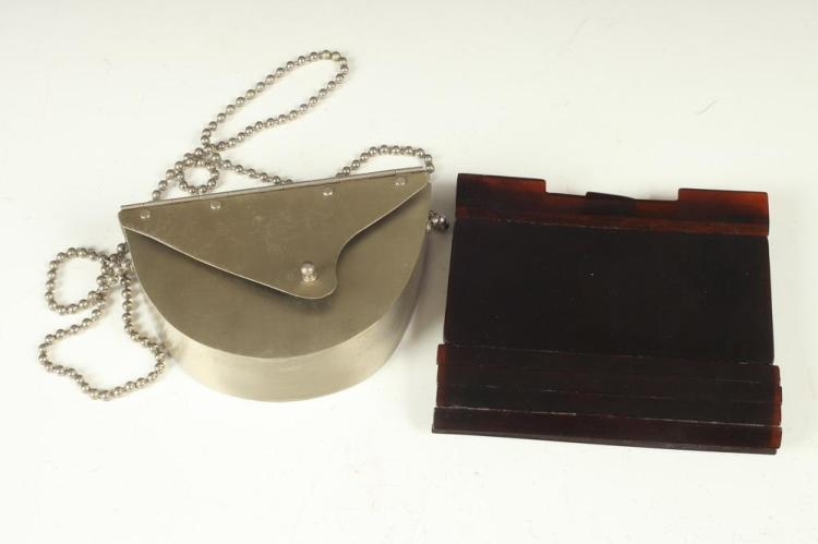 FENDI BROWN BAKELITE CLUTCH AND WENDY STEVENS SILVER-TONE METALLIC PURSE WITH CHAIN .