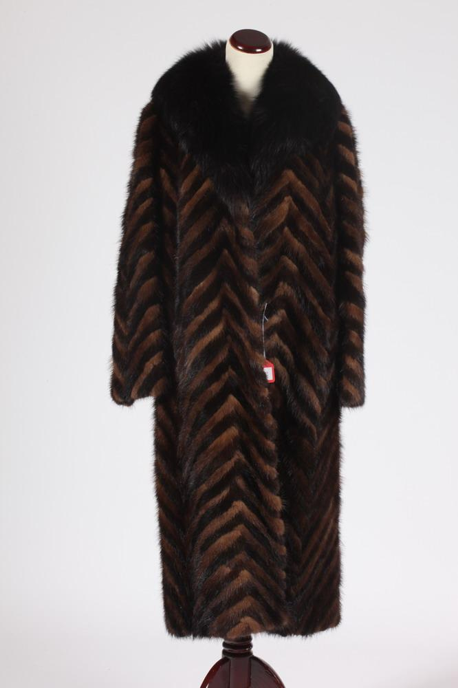 HERRINGBONE BROWN MINK FUR COAT, Size 12.