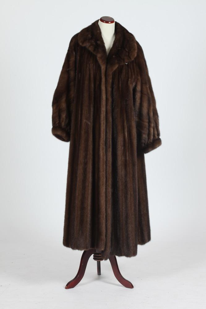 LONG CHOCOLATE BROWN FUR COAT, Size large.