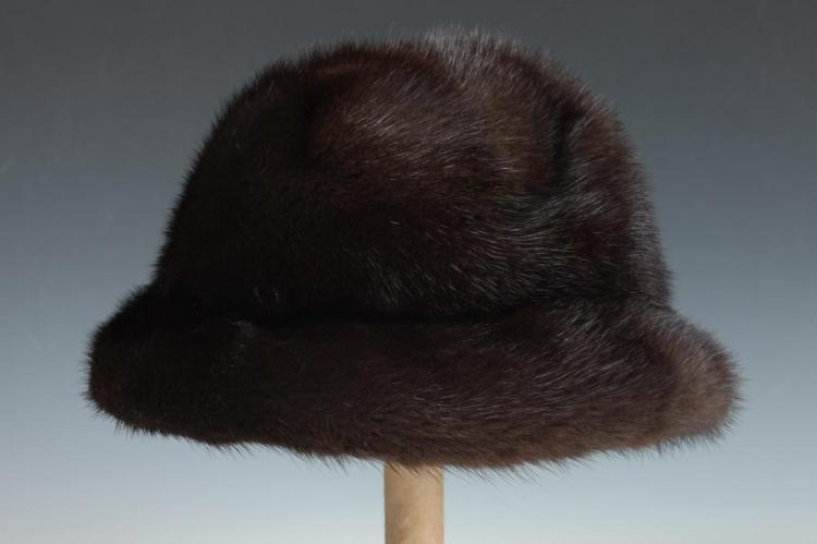 MAHOGANY BROWN MINK FUR HAT.