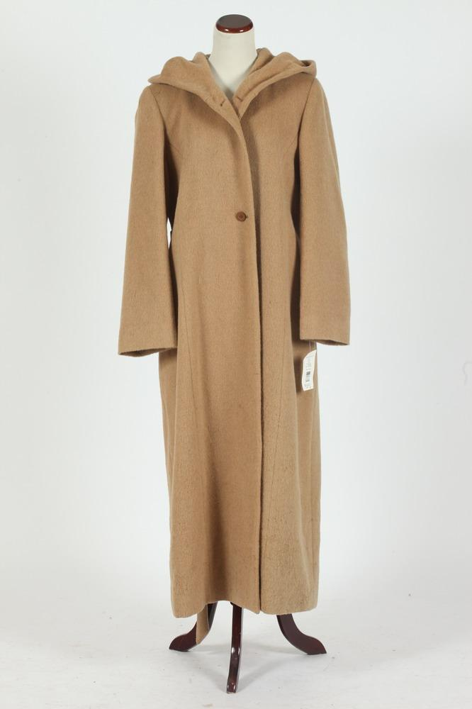HARVEY BERNARD WOOL ALPACA BEIGE COAT, NEW WITH TAGS, size 14.
