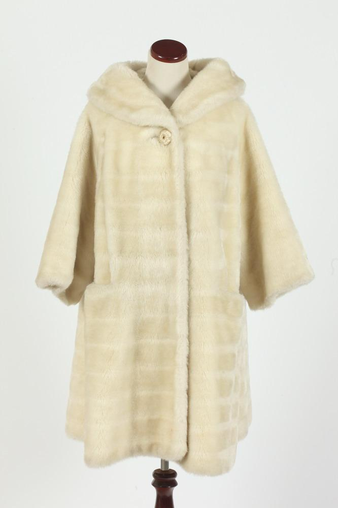 VINTAGE IVORY FAUX FUR COAT, size medium.