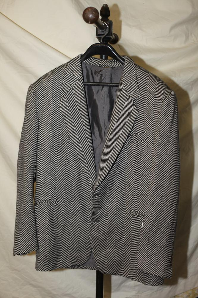 GIANCO FERRE MEN'S BLACK AND WHITE HERRINGBONE JACKET. size large.