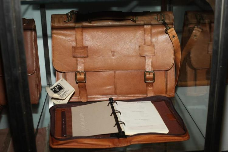 CARAMLE LEATHER BRIEFCASE WITH MATCHING THREE-RING AGENDA,