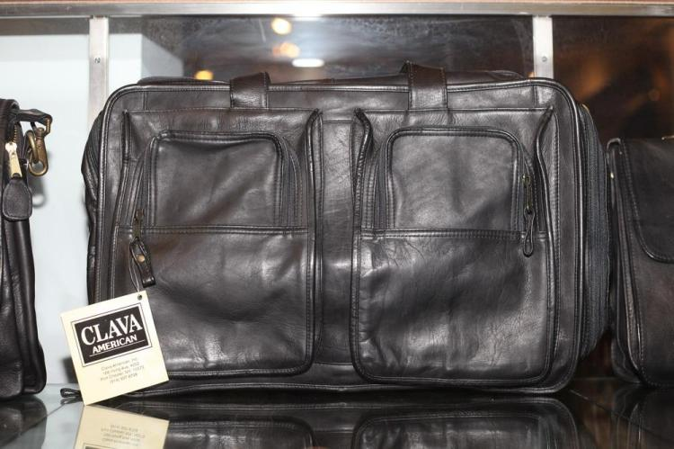 BLACK LEATHER BRIEFCASE WITH TWO EXTERIOR POCKETS,