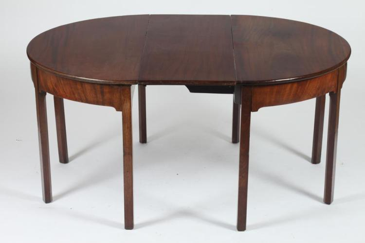 ENGLISH MAHOGANY ROUND DINING TABLE WITH ONE LEAF 19th Cent