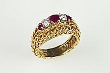 18K YELLOW GOLD, DIAMOND AND RUBY SLENDER OPEN-WORK DOME RING. - Size 5 1/4.