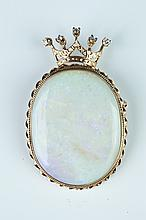 14K YELLOW GOLD, DIAMOND AND PRECIOUS WHITE OPAL CROWN DESIGN PIN.