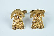 PAIR SOUTH AMERICAN YELLOW GOLD INCAN CEREMONIAL FIGURE DESIGN CUFFLINKS.