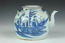 CHINESE BLUE AND WHITE PORCELAIN TEA POT, 19th Century. - 6 1/2 in. high.