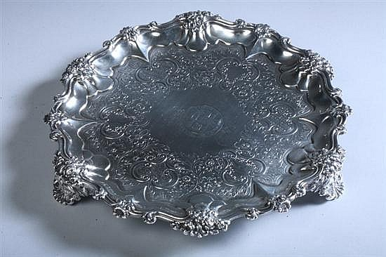 WILLIAM IV SILVER SALVER, Edward, Edward Jn., John and W. Barnard, London, 1831. - 14 oz., 2 dwt.; 10 in. diam.