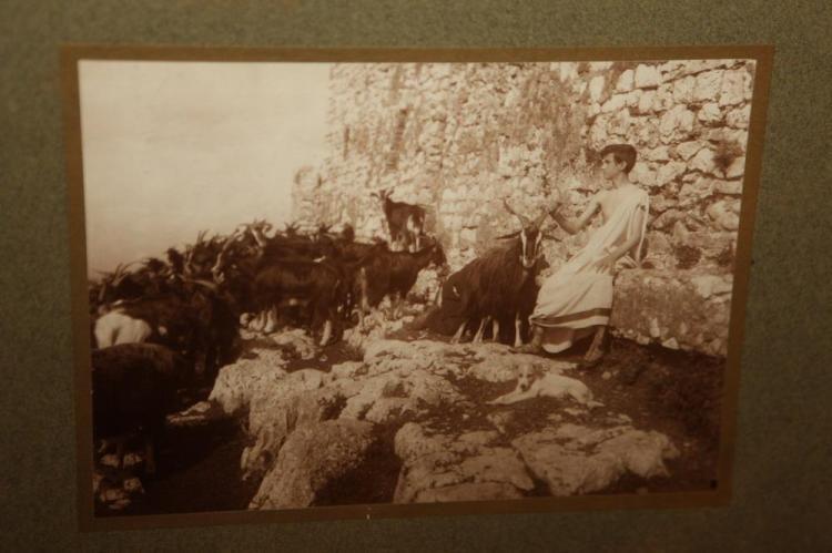 WILHELM VON GLOEDEN. circa 1900.