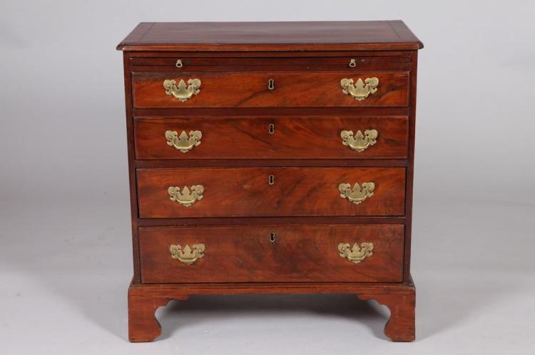 19TH CENTURY MAHOGANY CHIPPENDALE CHEST OF DRAWERS. 19th Century. - 34 1/4