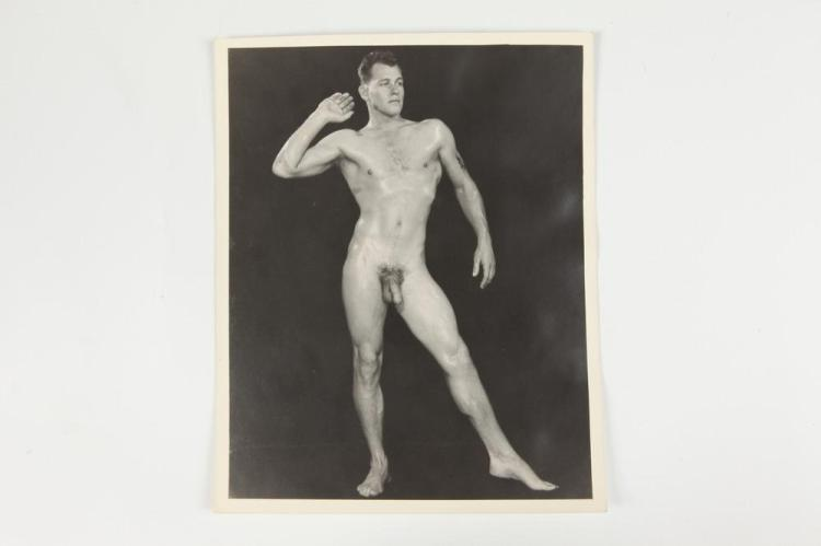 FRED KOVERT, MALE NUDE, GAY INTEREST, circa 1940's-1950's. - 9.5 in. x 7.5 in.