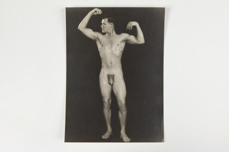 FRED KOVERT, MALE NUDE, GAY INTEREST, circa 1940's- 1950's. - 9.5 in. x 7.5 in.