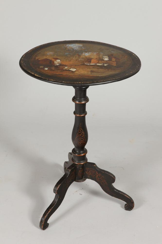 19TH CENTURY TILT TOP LACQUERED TABLE ON TRIPOD BASE. 19th Century. - 28 1/4