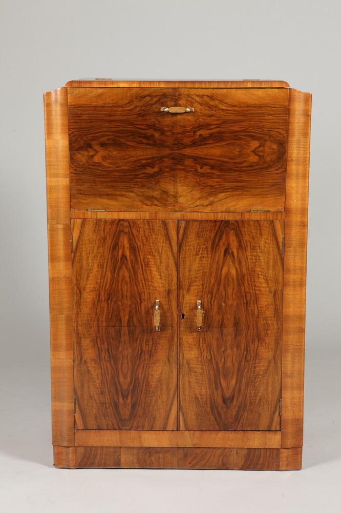 ART DECO WALNUT BAR CABINET WITH FITTED INTERIOR, Circa 1920's. Unmarked. - 46 1/2