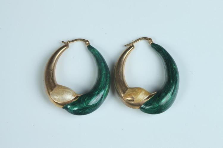 PAIR ITALIAN 18K YELLOW GOLD AND GREEN AND GOLD COLOR STRIATED ENAMEL TAPERING PUFFED OVAL HOOP EARRINGS, - Wirebacks, L: 1 3/8 in.