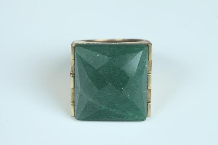 YELLOW GOLD AND SERPENTINE JADE CONTEMPORARY DESIGN RING , - Size 6 1/2.