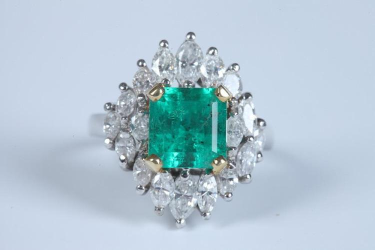 PLATINUM, YELLOW GOLD, EMERALD, AND DIAMOND RING CONVERTIBLE TO NECKLACE ENHANCER. - Ring size: 4 1/2.