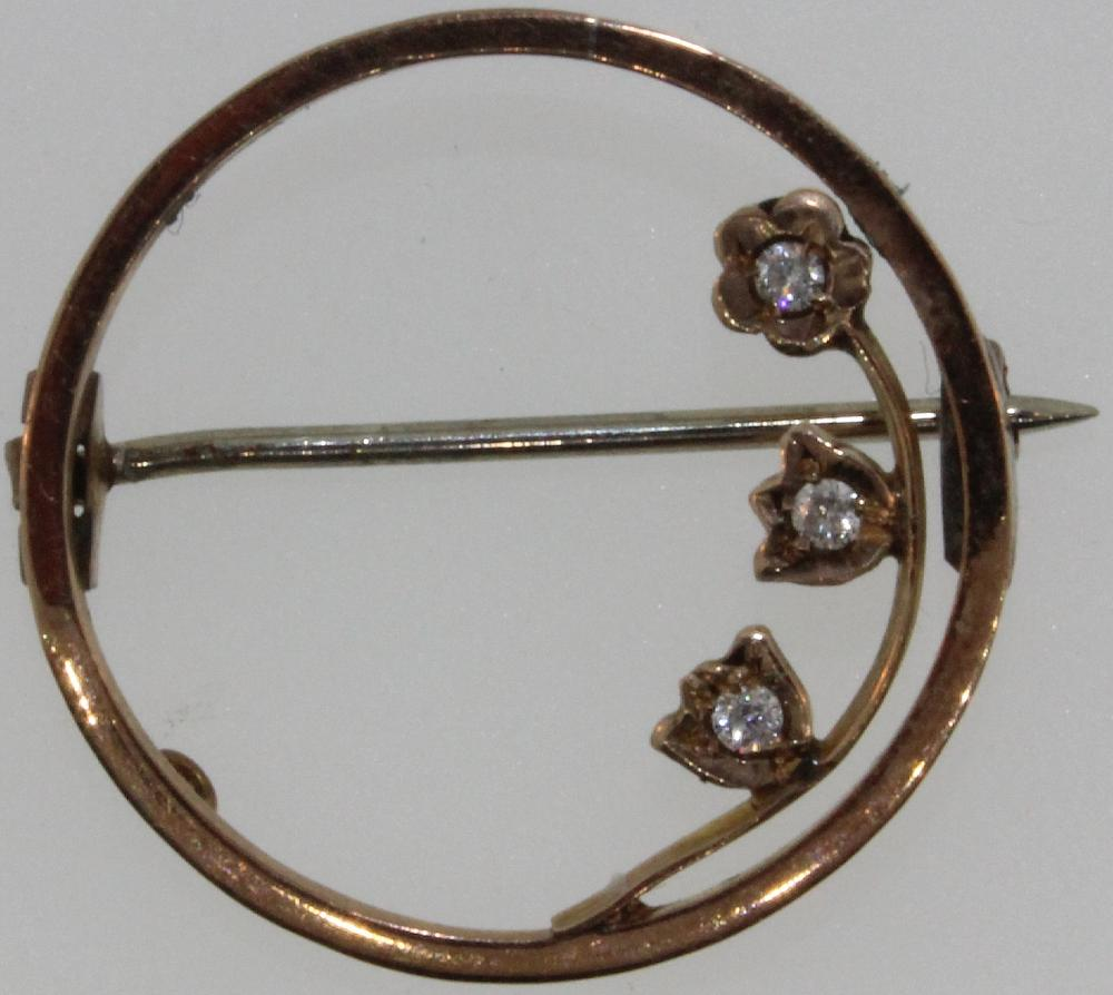 Vintage Gold Brooch in 9ct with three small Diamonds