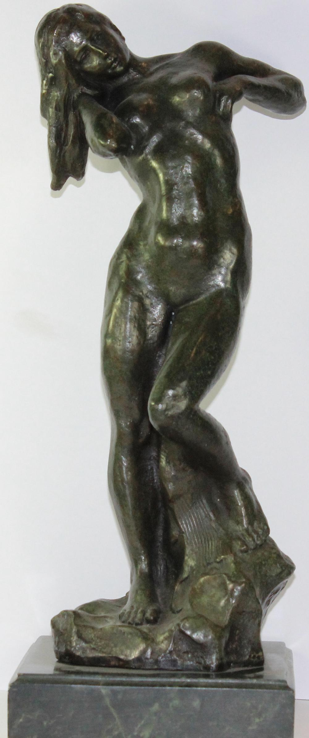 Modern Museum Bronze Reproduction of a Classic Female Nude standing on a Green Marble base
