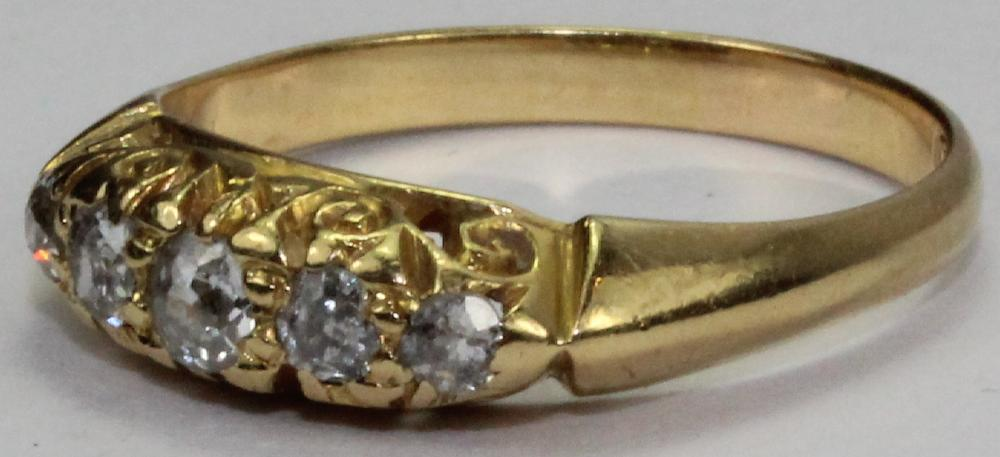 18ct Gold Vintage Bridge Ring set with Five Rose Cut Diamonds (approx. 0.30 carats in total)