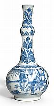 A BLUE AND WHITE GARLIC-NECKED BOTTLE VASE<BR>TRANSITIONAL PERIOD, CIRCA 1640  