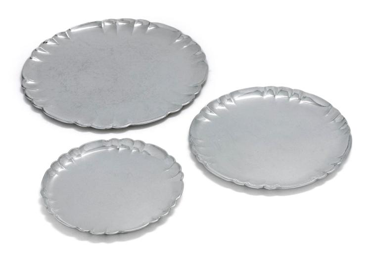 A SUITE OF THREE DANISH SILVER DISHES #519A, 519B, 519E, DESIGNED BY OSCAR GUNDLACH-PEDERSEN, GEORG JENSEN SILVERSMITHY, COPENHAGEN, 20TH CENTURY |