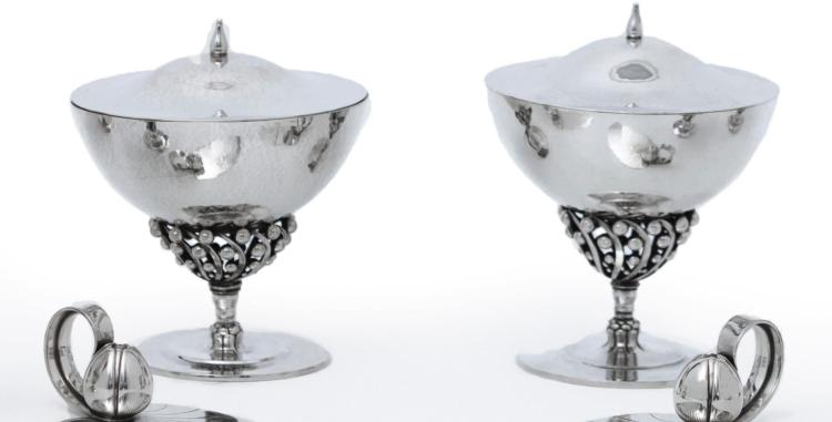 TWO MATCHING DANISH SILVER BOWLS AND COVERS #43, DESIGNED BY JOHAN ROHDE, GEORG JENSEN SILVERSMITHY, COPENHAGEN, CIRCA 1928 / 1945-77 |