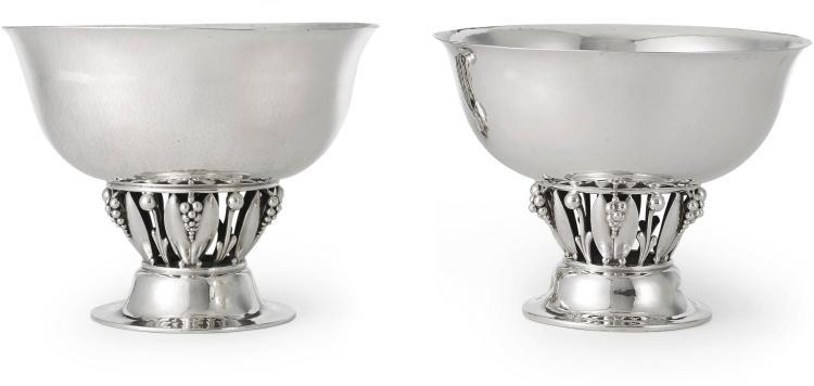 A SET OF TWO DANISH SILVER BOWLS #197 AND #197B, DESIGNED BY GEORG JENSEN, GEORG JENSEN SILVERSMITHY, COPENHAGEN, CIRCA 1925  