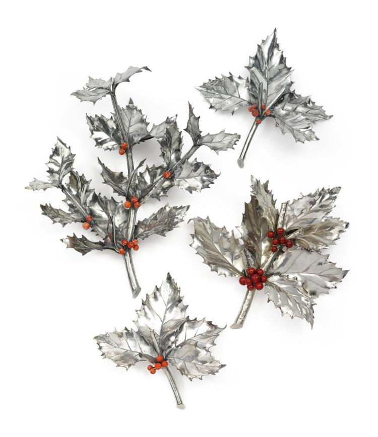 A SET OF FOUR ITALIAN HOLLY BRANCHES, BUCCELLATI, MILAN, 20TH CENTURY |