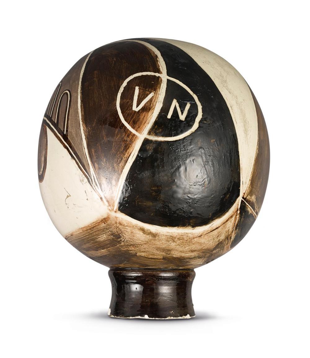 PABLO PICASSO (1881 - 1973) | Nature morte sur une sphere (Georges Ramié p. 27)