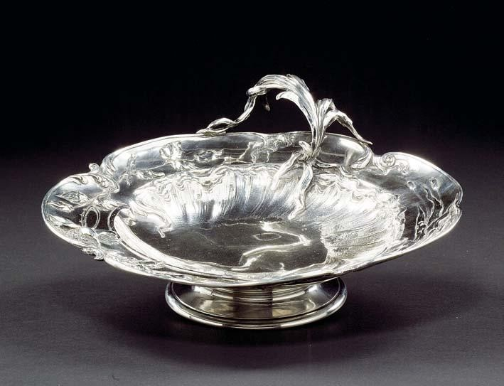 A BELGIAN SILVER DISH EXECUTED BY WOLFERS FRÈRES, BRUSSELS CIRCA 1900