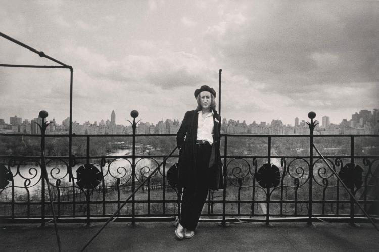 BRIAN HAMILL | John Lennon, Dakota, NYC