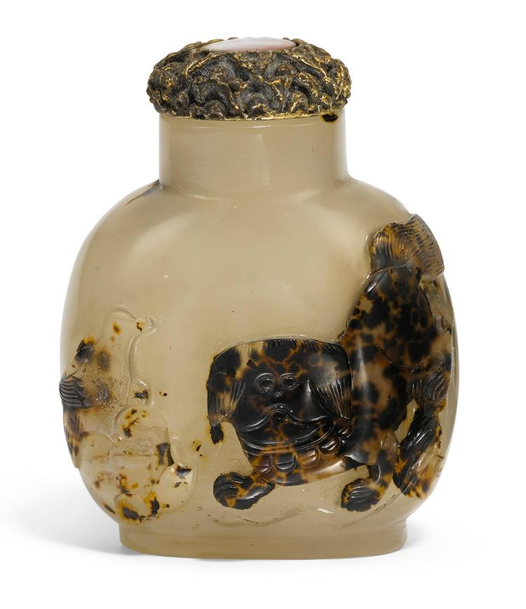 A SILHOUETTE AGATE SNUFF BOTTLE QING DYNASTY, 1820-90 |
