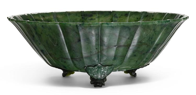 A SPINACH-GREEN JADE BOWL LATE QING DYNASTY |