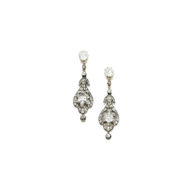 PAIR OF DIAMOND EARRINGS, LATE 19TH CENTURY