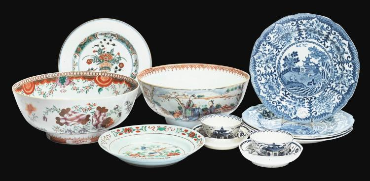 A GROUP OF CHINESE AND EUROPEAN CERAMICS |