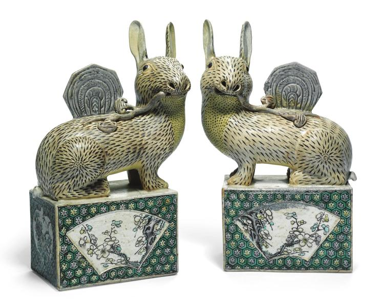 A PAIR OF CHINESE FAMILLE-VERTE BISCUIT FIGURES OF HARES<BR>QING DYNASTY, 19TH CENTURY |