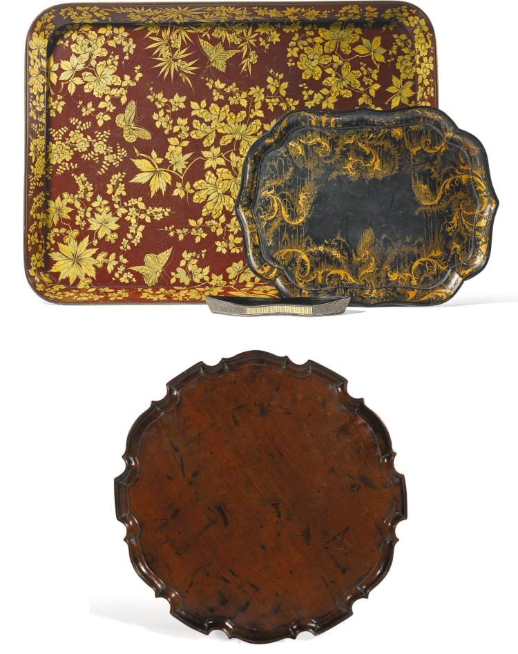 A GEORGE III GILT AND RED PAPIER-MÂCHÉ TRAY BY HENRY CLAY, CIRCA 1810 |