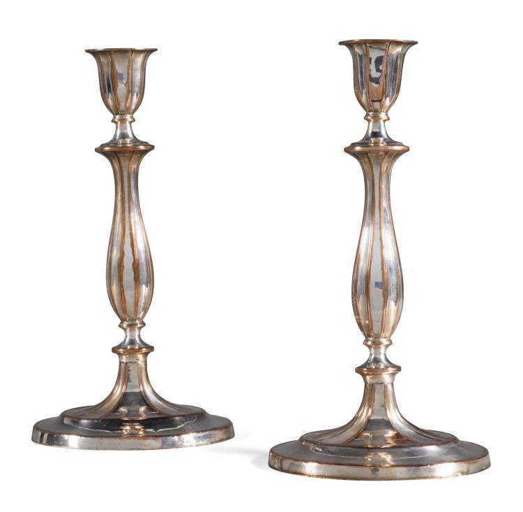 A PAIR OF GEORGE III SILVER PLATE CANDLESTICKS, PROBABLY SHEFFIELD CIRCA 1770 |