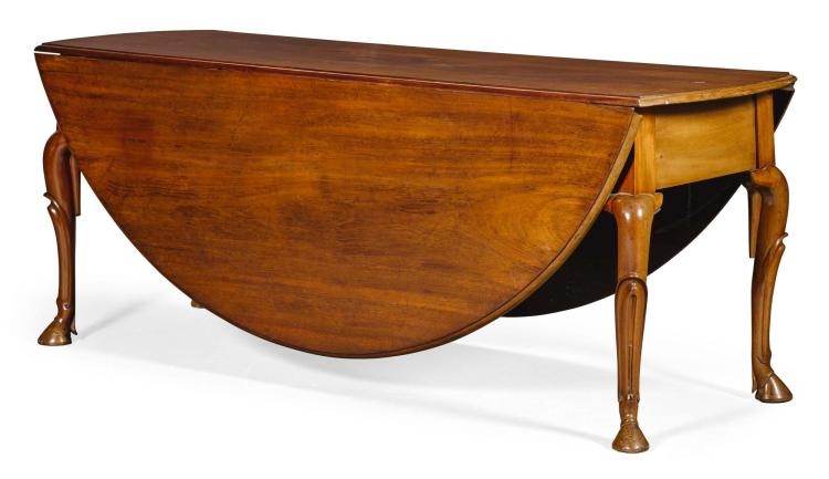 A LARGE GEORGE II MAHOGANY OVAL DROP-LEAF DINING TABLE, 18TH/19TH CENTURY, POSSIBLY IRISH |