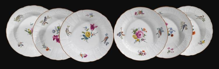 A SET OF SIX MEISSEN SOUP PLATES, CIRCA 1760-65 |