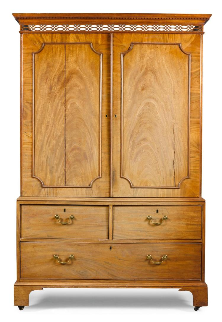 A GEORGE III MAHOGANY LINEN PRESS, CIRCA 1760 |