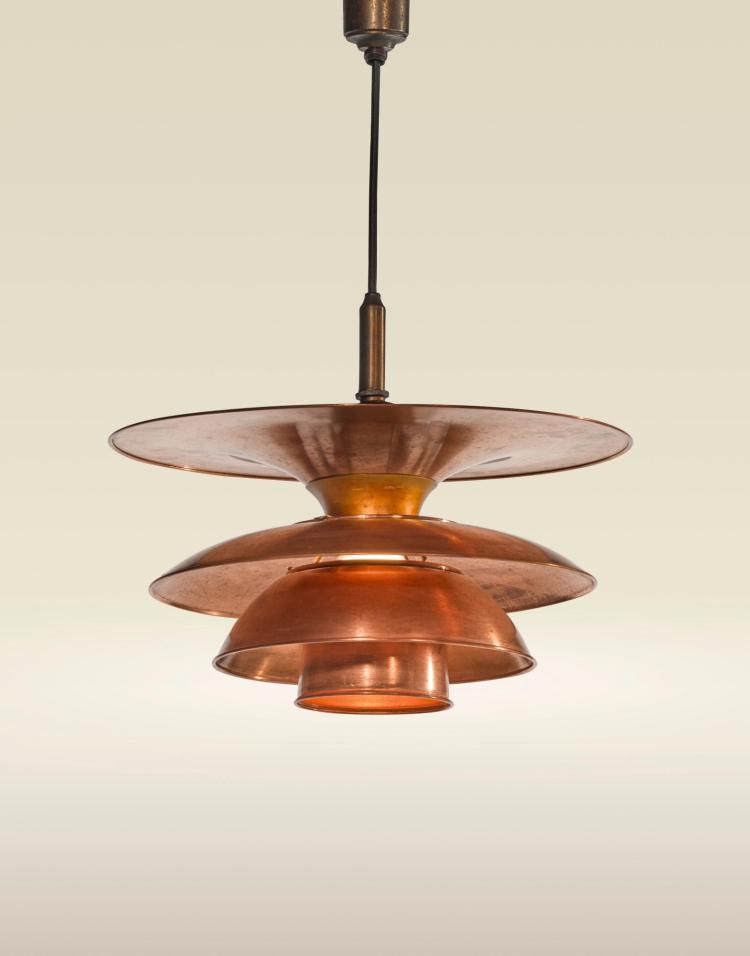 poul henningsen ceiling light with type 4 4 4 shades. Black Bedroom Furniture Sets. Home Design Ideas