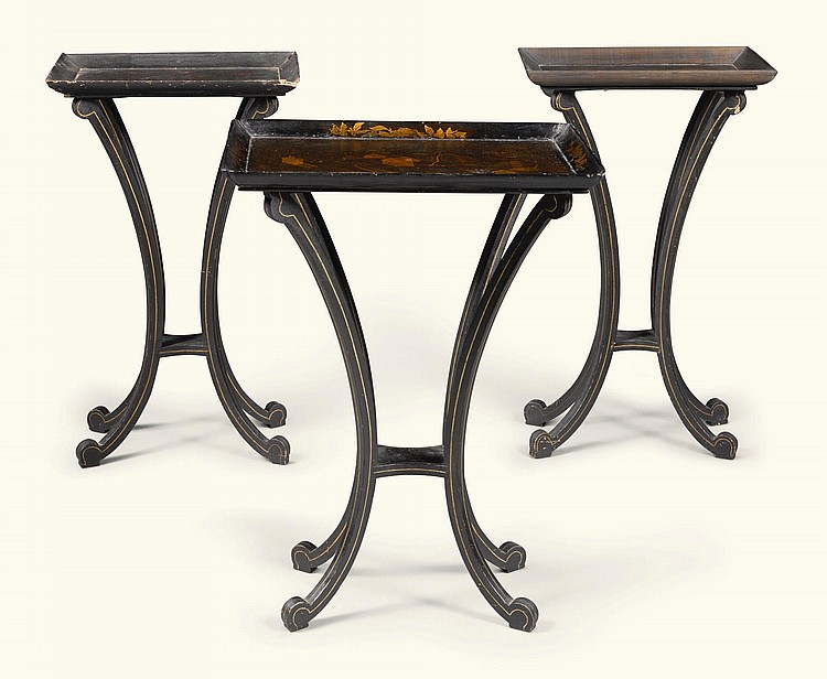 A REGENCY BLACK AND GILT-JAPANNED OCCASIONAL TABLE, CIRCA 1815 |