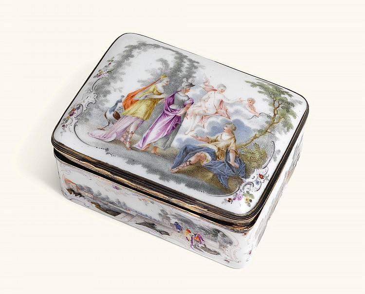 A GERMAN PORCELAIN SNUFF BOX, PERHAPS FRANKENTHAL, WITH SILVER-GILT MOUNT, CIRCA 1770 |